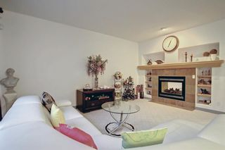 Photo 9: 163 Springbluff Heights SW in Calgary: Springbank Hill Detached for sale : MLS®# A1153228