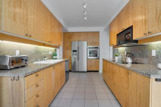 """Photo 13: 202 5850 BALSAM Street in Vancouver: Kerrisdale Condo for sale in """"THE CLARIDGE"""" (Vancouver West)  : MLS®# R2603939"""