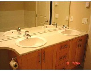 """Photo 5: 4885 VALLEY Drive in Vancouver: Quilchena Condo for sale in """"MACLURE HOUSE"""" (Vancouver West)  : MLS®# V624832"""