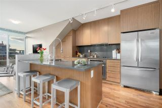 """Photo 9: PH5 250 E 6TH Avenue in Vancouver: Mount Pleasant VE Condo for sale in """"DISTRICT"""" (Vancouver East)  : MLS®# R2564875"""