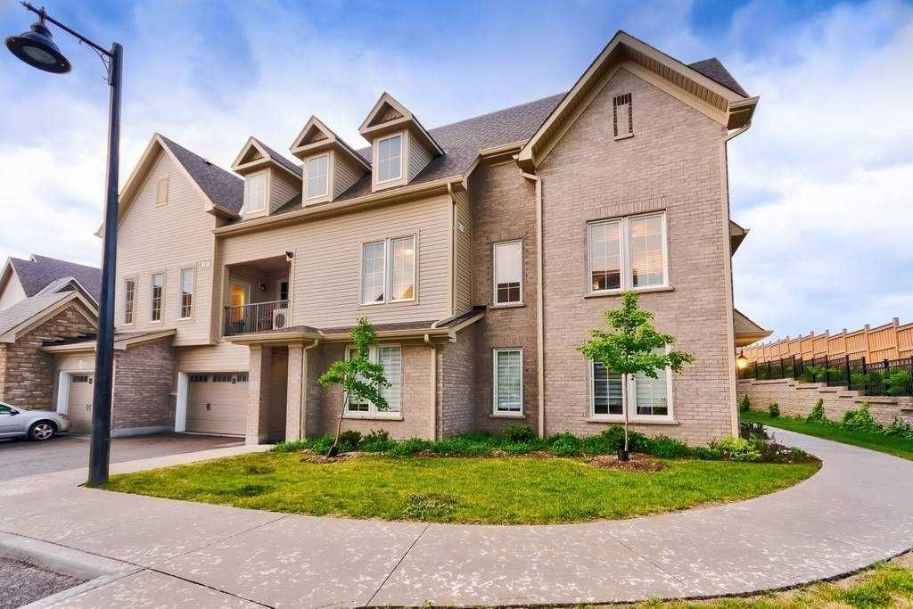 Main Photo: 11 1430 Gord Vinson Avenue in Clarington: Courtice Condo for sale : MLS®# E4788460