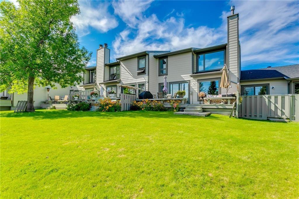 Photo 6: Photos: 17 185 WOODRIDGE Drive SW in Calgary: Woodlands Row/Townhouse for sale : MLS®# C4295020