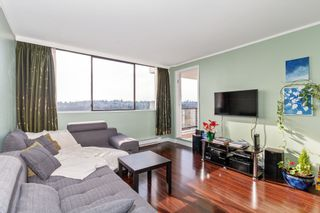 """Photo 3: 2007 9521 CARDSTON Court in Burnaby: Government Road Condo for sale in """"CONCORD PLACE"""" (Burnaby North)  : MLS®# R2524995"""