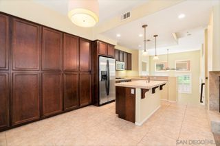 Photo 2: MISSION VALLEY House for sale : 3 bedrooms : 2803 Villas Way in San Diego