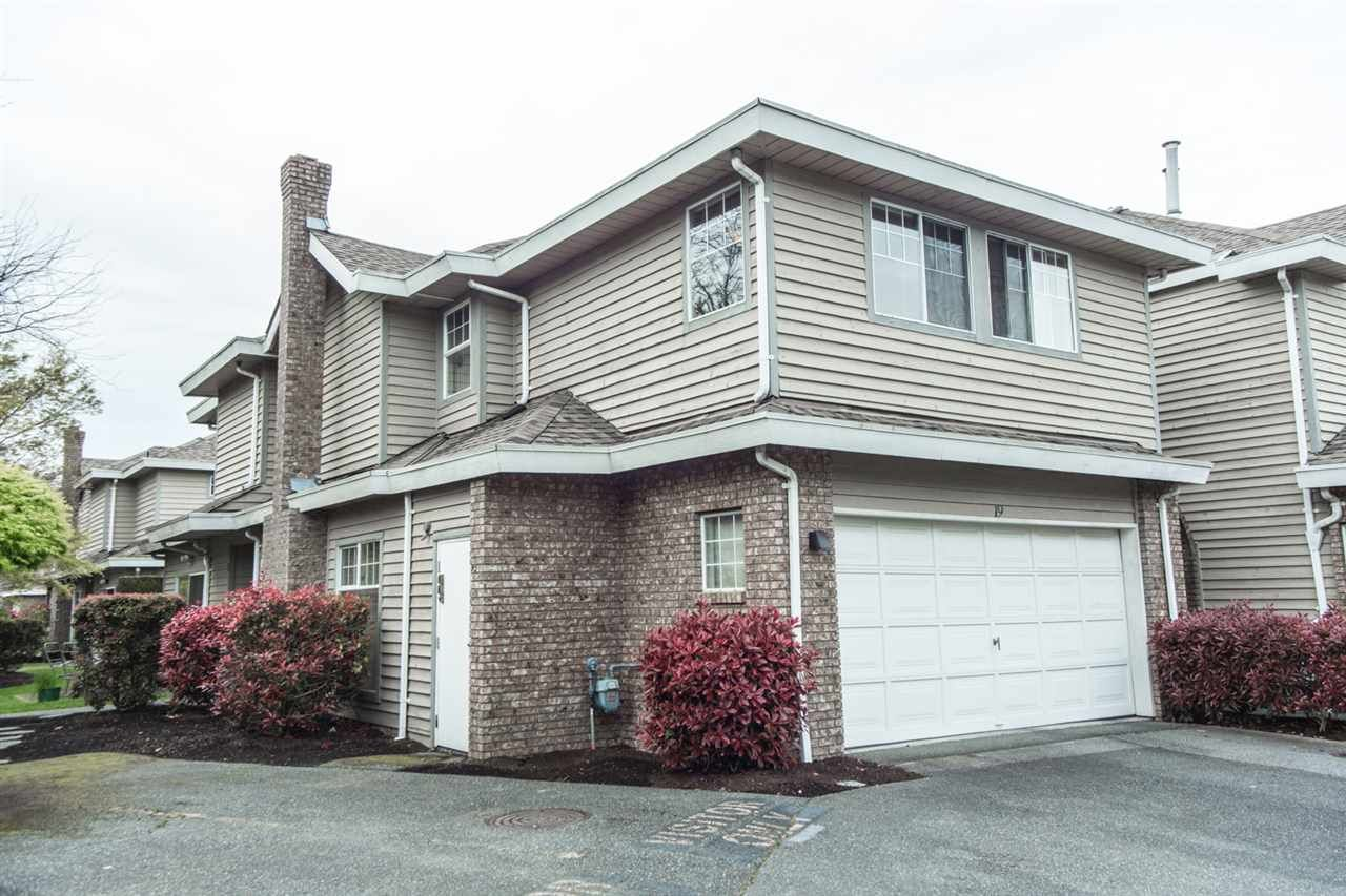 Main Photo: 19 8551 GENERAL CURRIE ROAD in Richmond: Brighouse South Townhouse for sale : MLS®# R2051652