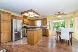 """Photo 10: 14230 20 Avenue in Surrey: Sunnyside Park Surrey House for sale in """"Sunnyside"""" (South Surrey White Rock)  : MLS®# R2499825"""