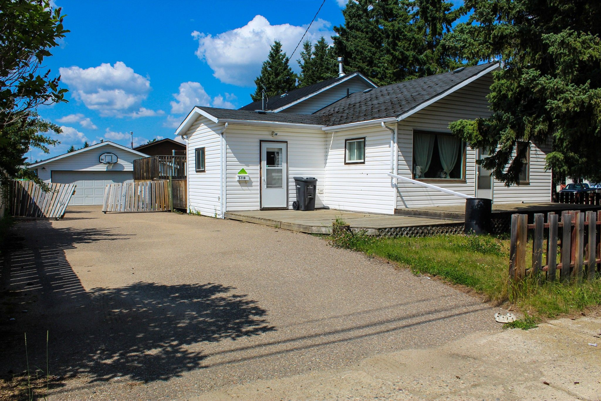 Main Photo: 5110 58 Street in Cold Lake: House for sale : MLS®# E4211095