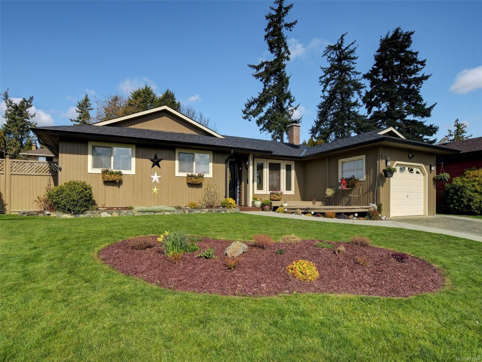 Main Photo: 113 Paddock Pl in : VR View Royal House for sale (View Royal)  : MLS®# 871246