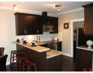 "Photo 4: 208 15368 17A Avenue in Surrey: King George Corridor Condo for sale in ""OCEAN WYNDE"" (South Surrey White Rock)  : MLS®# F2913796"