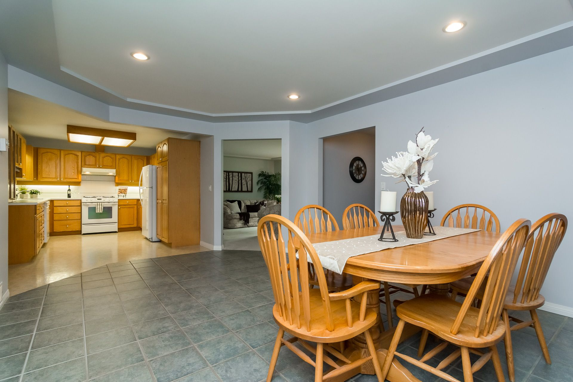 """Photo 17: Photos: 19941 37 Avenue in Langley: Brookswood Langley House for sale in """"Brookswood"""" : MLS®# R2240474"""