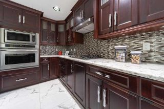 Photo 8: 8230 152A Street in Surrey: Fleetwood Tynehead House for sale : MLS®# R2586913