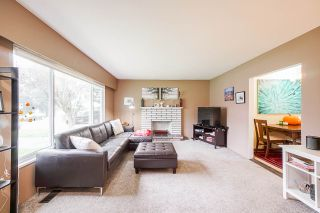 Photo 3: 3317 HANDLEY Crescent in Port Coquitlam: Lincoln Park PQ House for sale : MLS®# R2503021