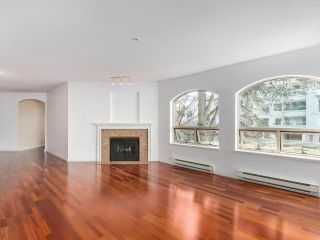 """Photo 8: 219 1869 SPYGLASS Place in Vancouver: False Creek Condo for sale in """"THE REGATTA"""" (Vancouver West)  : MLS®# R2327588"""