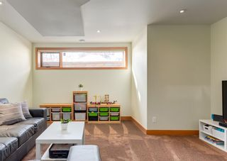 Photo 34: 3322 41 Street SW in Calgary: Glenbrook Detached for sale : MLS®# A1069634