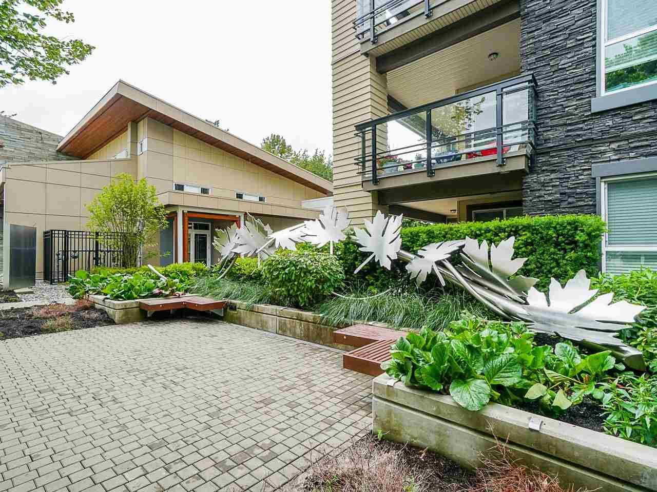 "Photo 2: Photos: 302 3205 MOUNTAIN Highway in North Vancouver: Lynn Valley Condo for sale in ""Mill House"" : MLS®# R2464769"