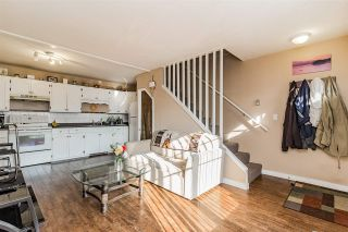 """Photo 8: 16 45882 CHEAM Avenue in Chilliwack: Chilliwack W Young-Well Townhouse for sale in """"CEDAR COURT"""" : MLS®# R2304058"""