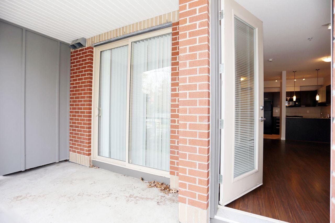 "Photo 13: Photos: 110 10499 UNIVERSITY Drive in Surrey: Whalley Condo for sale in ""D'COR"" (North Surrey)  : MLS®# R2257874"