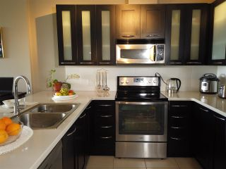 """Photo 10: 700 9300 UNIVERSITY Crescent in Burnaby: Simon Fraser Univer. Condo for sale in """"ONE UNIVERSITY"""" (Burnaby North)  : MLS®# R2479456"""