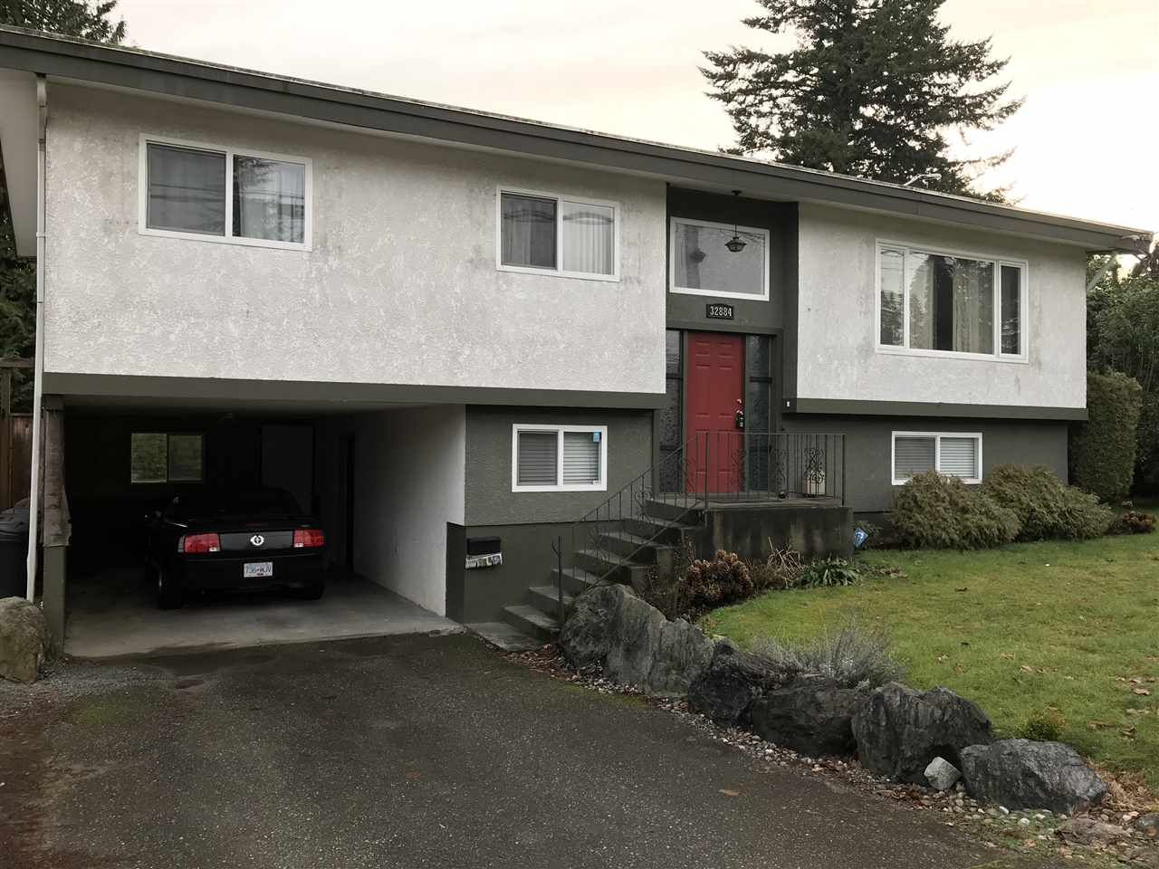 """Main Photo: 32884 BEVAN Avenue in Abbotsford: Central Abbotsford House for sale in """"~Mill Lake~"""" : MLS®# R2228988"""