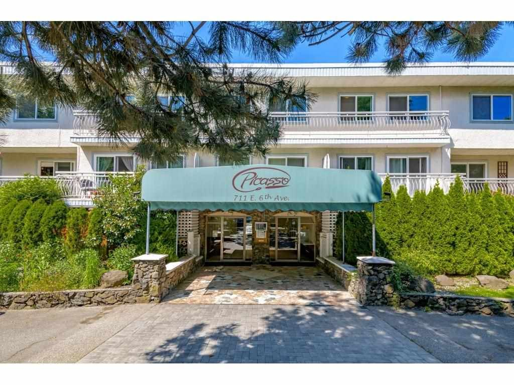 """Main Photo: 101 711 E 6TH Avenue in Vancouver: Mount Pleasant VE Condo for sale in """"THE PICASSO"""" (Vancouver East)  : MLS®# R2587341"""