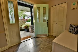 Photo 5: 5905 183A Street in Surrey: Cloverdale BC House for sale (Cloverdale)  : MLS®# R2404391