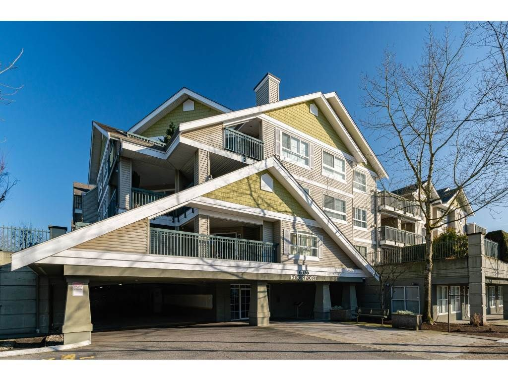"Main Photo: 118 6336 197 Street in Langley: Willoughby Heights Condo for sale in ""Rockport"" : MLS®# R2440443"