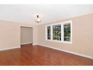 Photo 5: 70 CAMBRIAN Drive NW in Calgary: Bungalow for sale : MLS®# C3538395