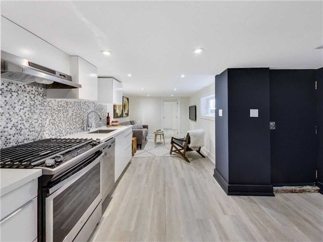 Photo 2: Photos: 601B Pape Avenue in Toronto: South Riverdale House (2 1/2 Storey) for lease (Toronto E01)  : MLS®# E4166068