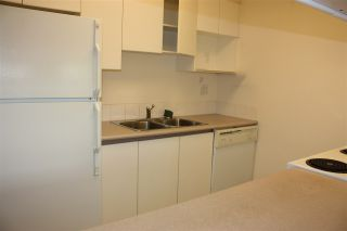 """Photo 7: 204 720 CARNARVON Street in New Westminster: Downtown NW Condo for sale in """"CARNARVON TOWER"""" : MLS®# R2093454"""