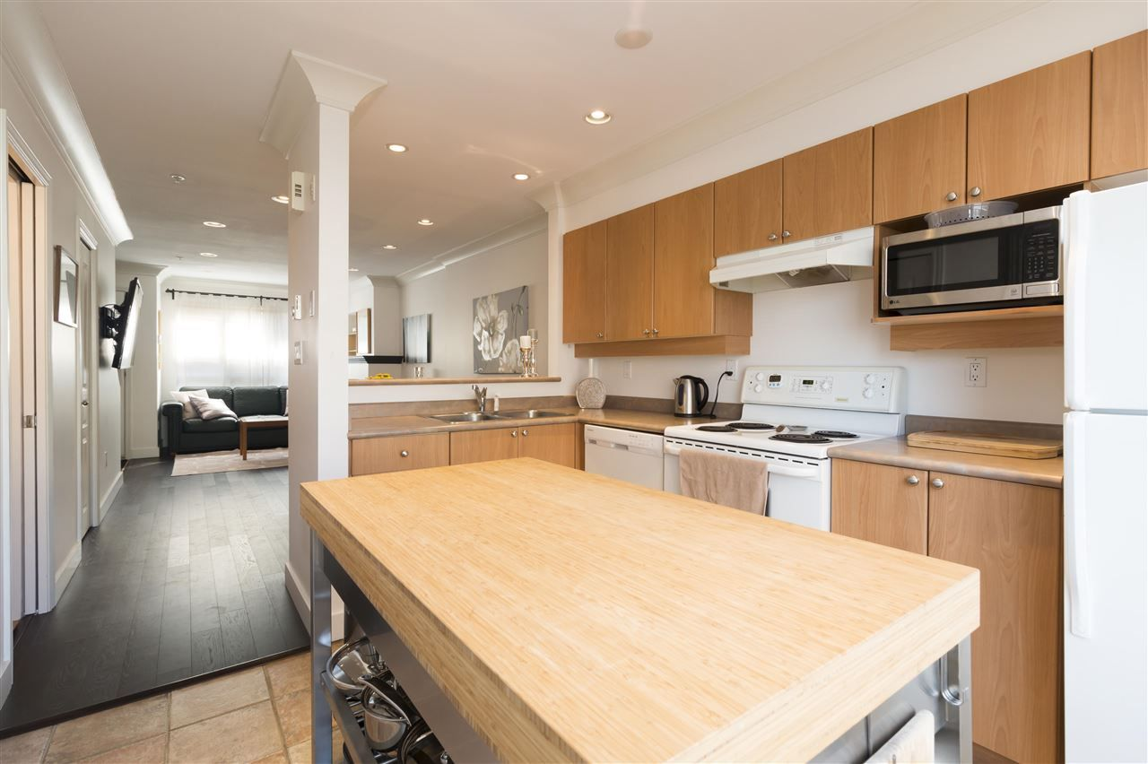 """Photo 7: Photos: 310 2688 WATSON Street in Vancouver: Mount Pleasant VE Townhouse for sale in """"Tala Vera"""" (Vancouver East)  : MLS®# R2304715"""