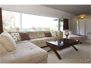 Photo 2:  in VICTORIA: Es Rockheights House for sale (Esquimalt)  : MLS®# 466320