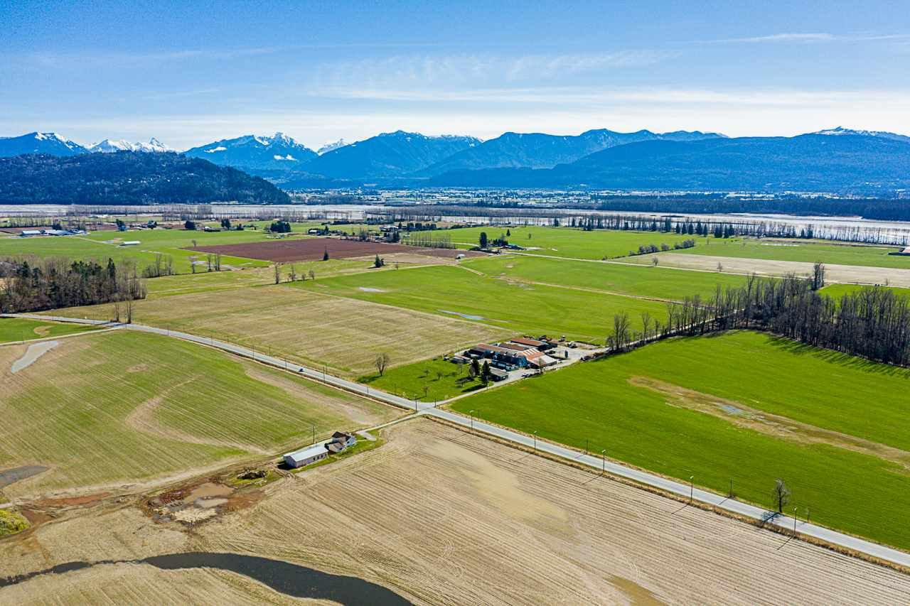 Main Photo: 37AC LOUGHEED Highway in Mission: Dewdney Deroche Agri-Business for sale : MLS®# C8037147