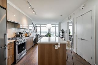 """Photo 3: 711 258 NELSON'S Court in New Westminster: Sapperton Condo for sale in """"The Columbia"""" : MLS®# R2584289"""