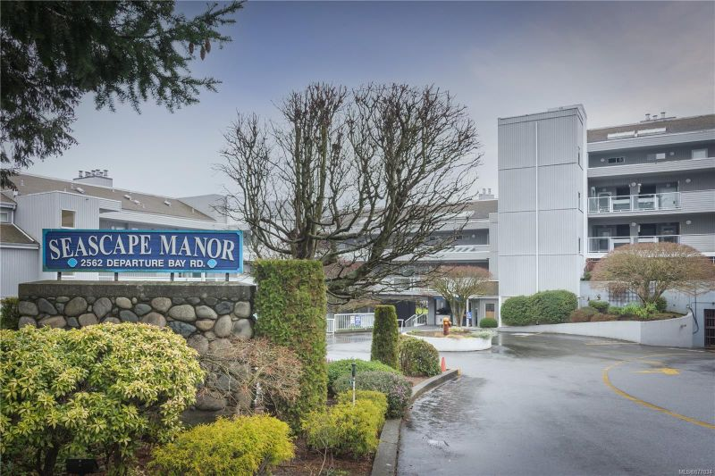 FEATURED LISTING: 106 - 2560 Departure Bay Rd