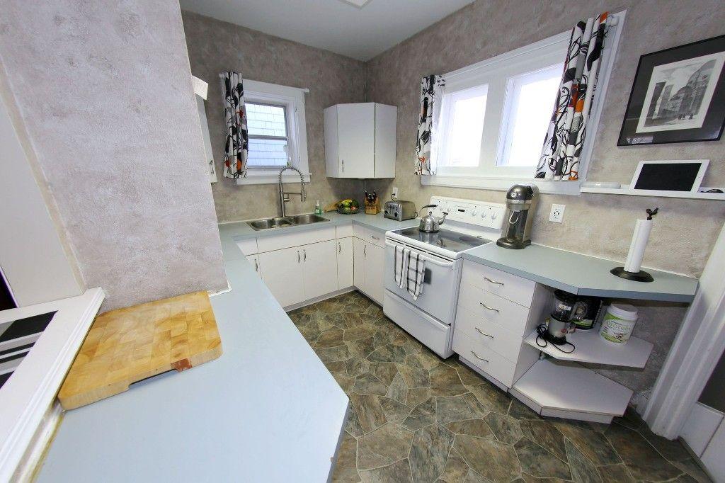Photo 31: Photos: 684 Ashburn Street in Winnipeg: West End/Polo Park Single Family Detached for sale (West Winnipeg)  : MLS®# 1511759