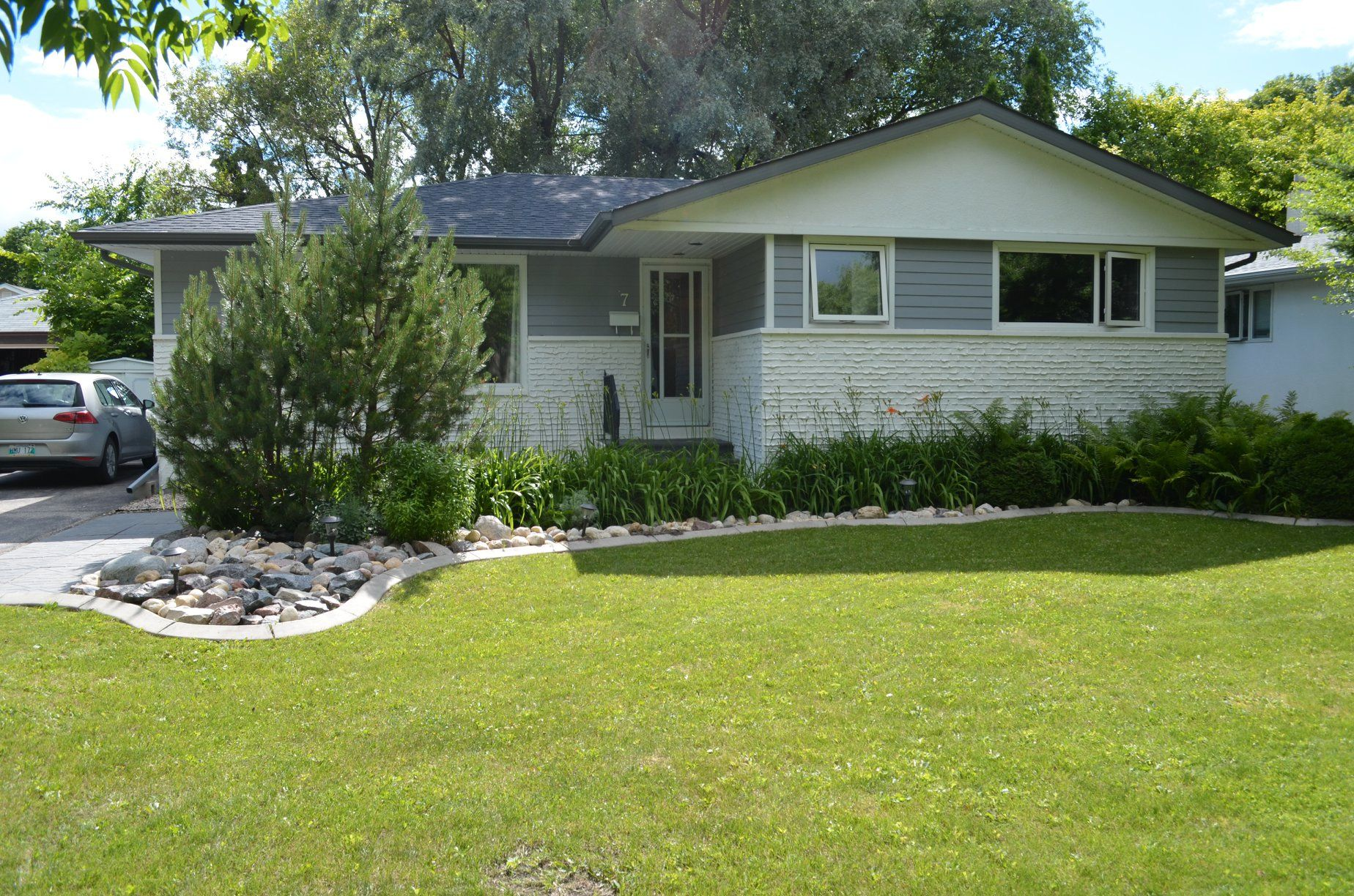 Main Photo: 7 Tulane Bay in Winnipeg: Fort Richmond Single Family Detached for sale (1K)  : MLS®# 1803962
