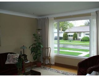 Photo 2: 74 HAVELOCK Avenue in WINNIPEG: St Vital Residential for sale (South East Winnipeg)  : MLS®# 2909105