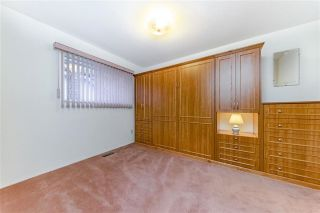"""Photo 17: 1858 WALNUT Crescent in Coquitlam: Central Coquitlam House for sale in """"LAURENTIAN HEIGHTS"""" : MLS®# R2334378"""