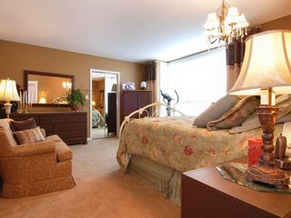 Photo 5: 205 1221 Johnston Road in Presidents Court: Home for sale : MLS®# F2907880