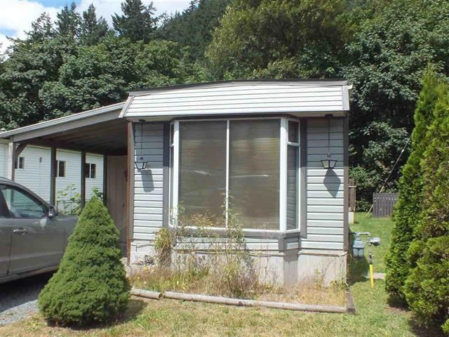 Main Photo: 9C 65367 KAWKAWA LAKE Road in Hope: Hope Kawkawa Lake Manufactured Home for sale : MLS®# R2535147