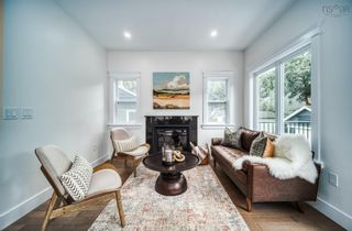 Photo 2: 6562 Roslyn Road in Halifax: 4-Halifax West Residential for sale (Halifax-Dartmouth)  : MLS®# 202123080