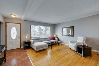 Photo 3: 1444 16 Street NE in Calgary: Mayland Heights Detached for sale : MLS®# A1074923