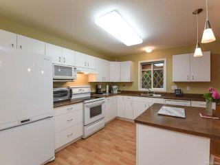 Photo 5: 555 BECKTON DRIVE in COMOX: CV Comox (Town of) House for sale (Comox Valley)  : MLS®# 789909