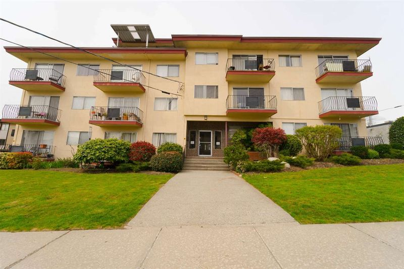 FEATURED LISTING: 212 - 611 BLACKFORD Street New Westminster
