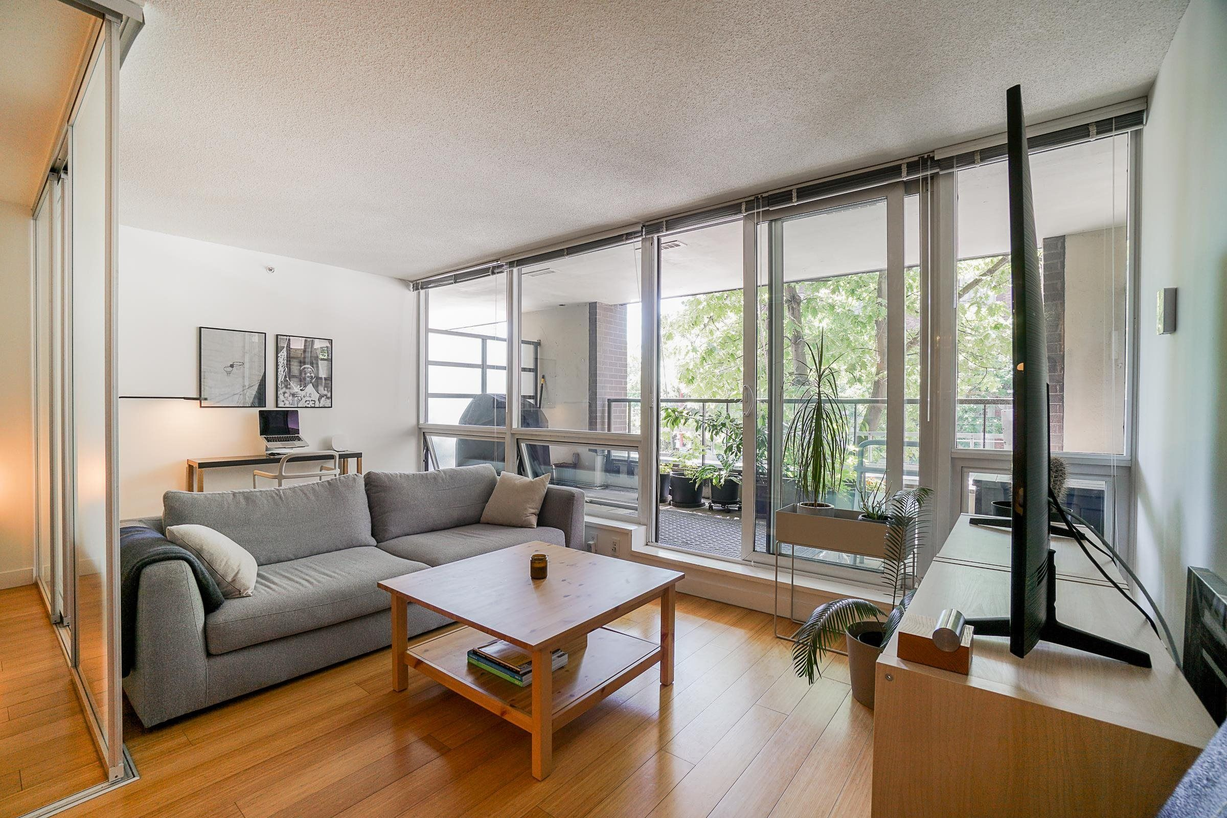 Main Photo: 204 718 MAIN Street in Vancouver: Strathcona Condo for sale (Vancouver East)  : MLS®# R2614760