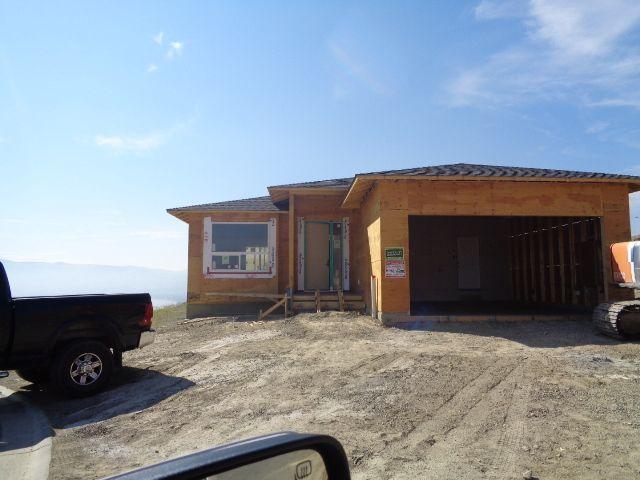 Main Photo: 2296 Saddleback Drive in Kamloops: Batchelor Heights House for sale : MLS®# 140301