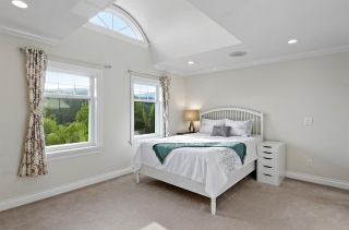 """Photo 23: 255 ALPINE Drive: Anmore House for sale in """"ANMORE ESTATES"""" (Port Moody)  : MLS®# R2577767"""