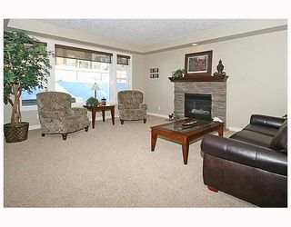Photo 7: 136 Sunset Close in Cochrane: Residential Detached Single Family for sale : MLS®# C3403763