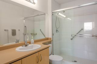 """Photo 12: 404 305 LONSDALE Avenue in North Vancouver: Lower Lonsdale Condo for sale in """"The Met"""" : MLS®# R2491734"""