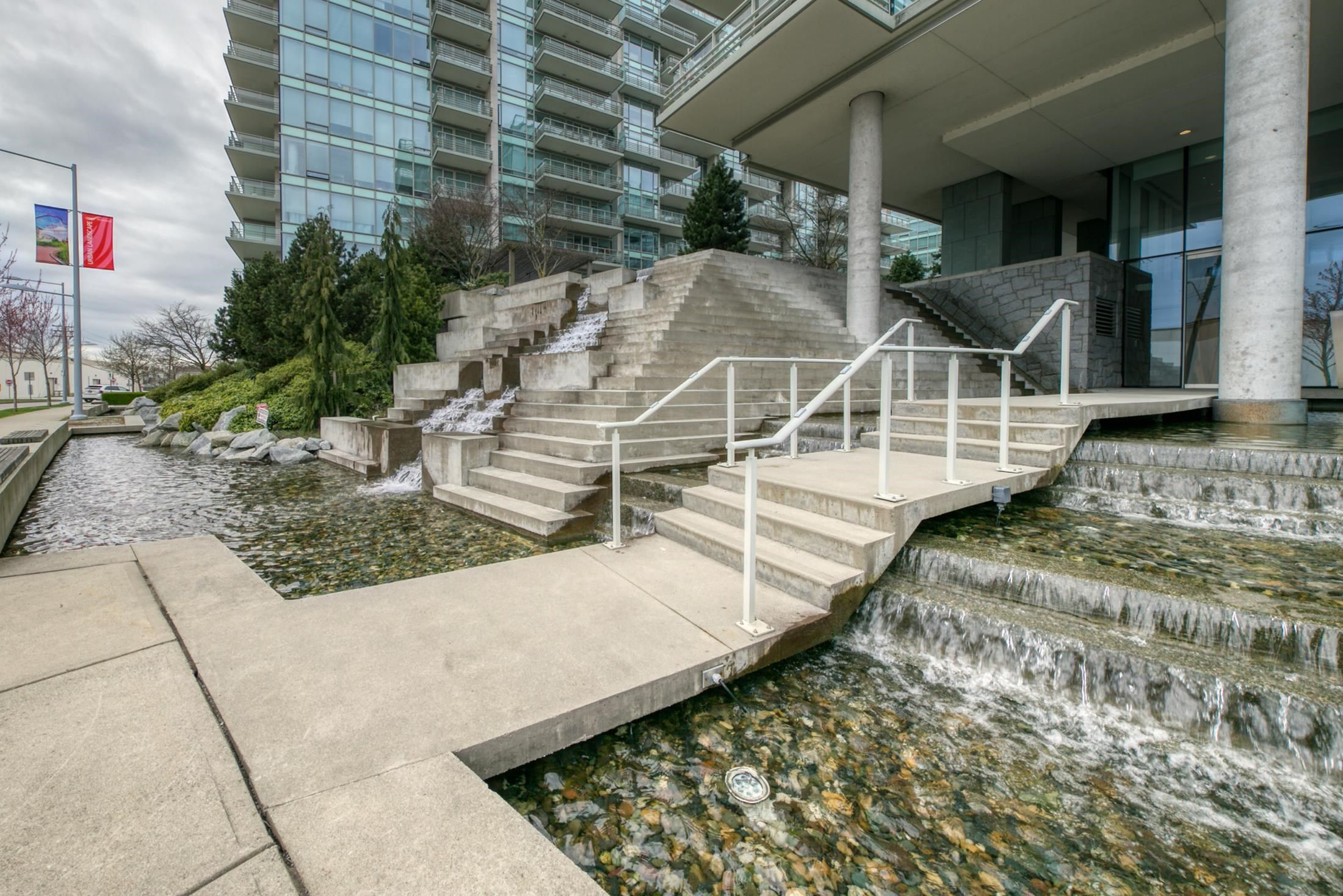 """Main Photo: 1006 5177 BRIGHOUSE Way in Richmond: Brighouse Condo for sale in """"River Green"""" : MLS®# R2617813"""